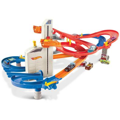 Hot Wheels Auto-Lift Expressway With 5 Cars Playset
