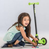 Yvolution Glider Deluxe Black & Green